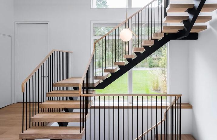 Thiết kế cầu thang với gỗ công nghiệp