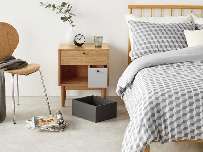 Có nên sử dụng tủ đầu giường gỗ công nghiệp cho phòng ngủ?