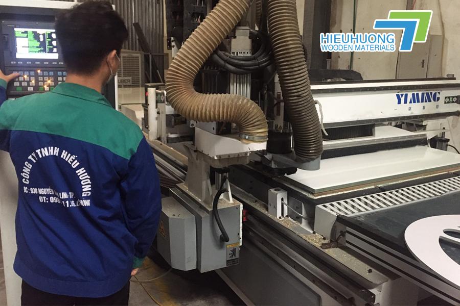 Máy cắt CNC hiện đại